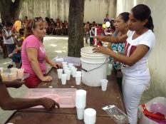 donation les petits coeurs de cuba à les enfants pauvres à l'havane 2013 à mantilla 8