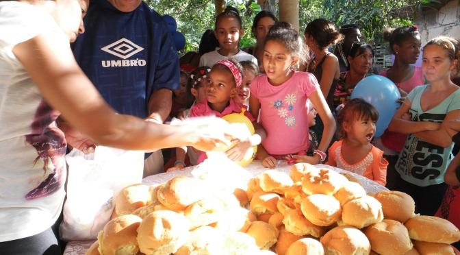 DONATION ET GOÛTER A NOTRE CENTRE D'ACCUEIL DE CUBA, novembre 2017.