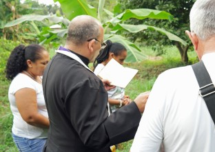 bénédiction du terrain ferme agricole CMD Père Eduardo novembre 2018