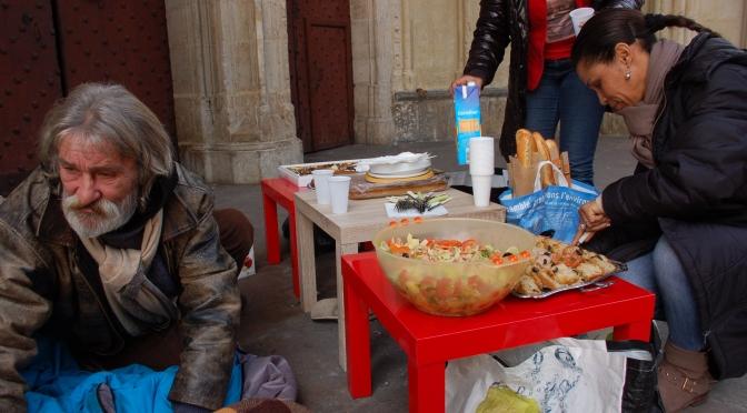 Aide aux familles en précarités et aux démunis dans nos villes.
