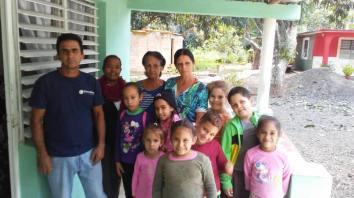 catechisme-catecismo- cmd-el chico-habana-seminaristes- visite aux familles-visitasjpg.jpg2
