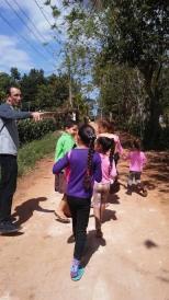 catechisme-catecismo- cmd-el chico-habana-seminaristes- visite aux familles-visitasjpg.jpg3